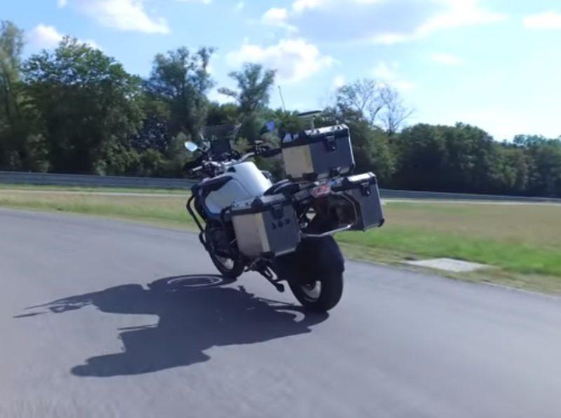 Samojazdiaca motorka od BMW
