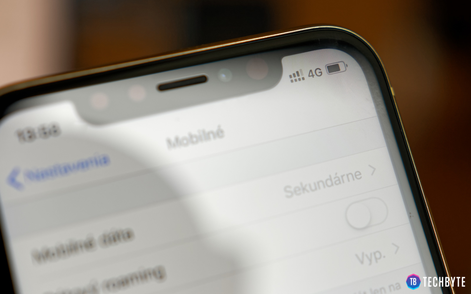 iPhone XR s eSIM kartou
