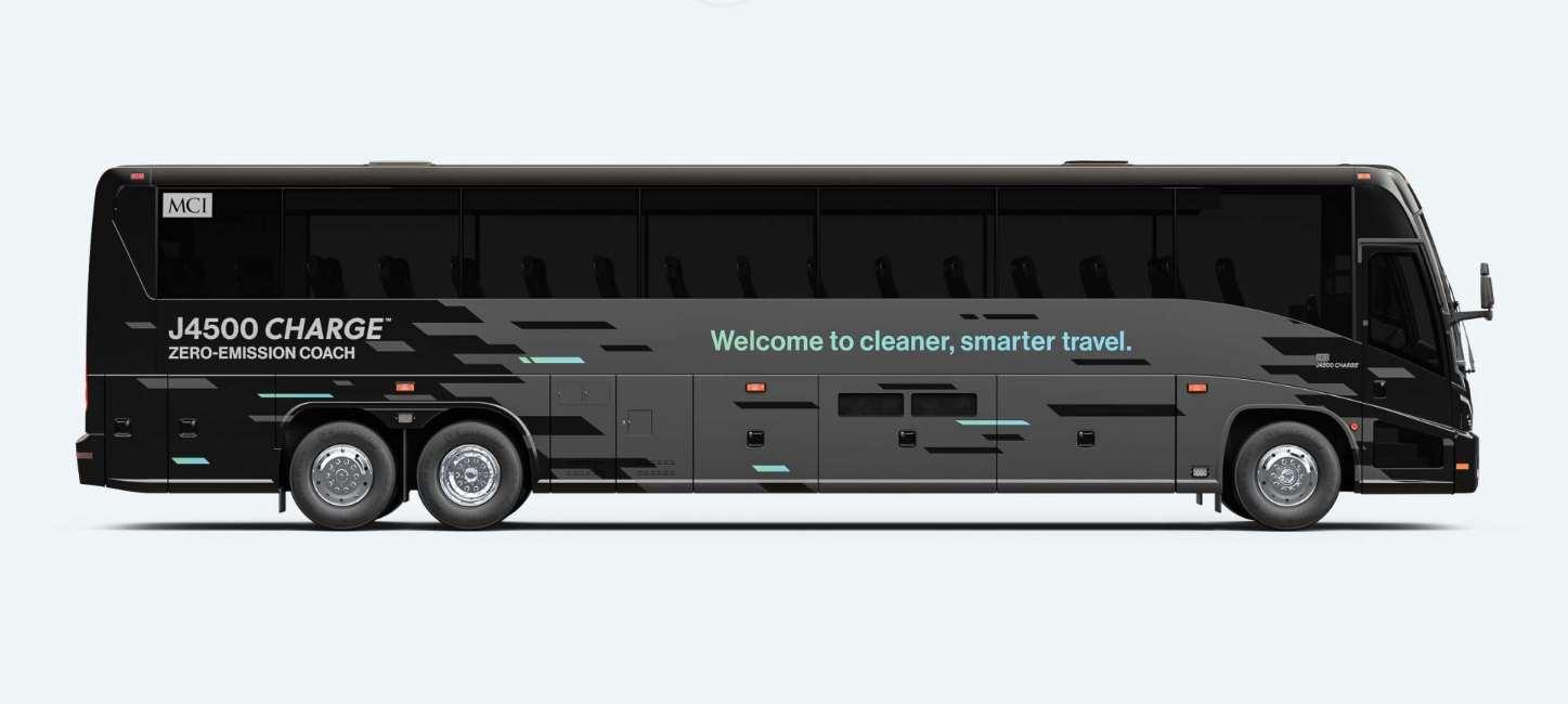 Diaľkový autobus MCI J4500 CHARGE
