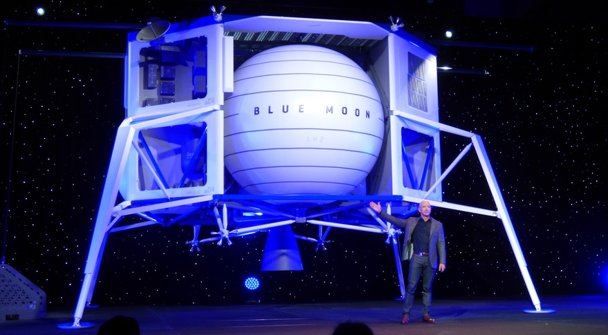 Jeff Bezos a lunárny pristávací modul Blue Moon.